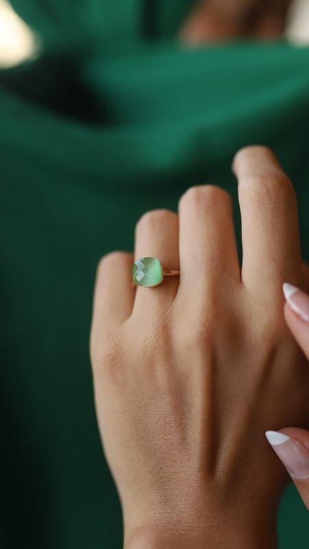 - Yeşil Taşlı Yüzük